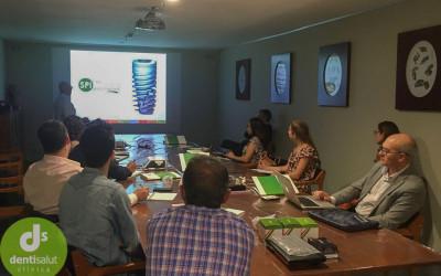 Conferencia casos clínicos de implantes AlphaBio por el Dr Juan Carlos Torres