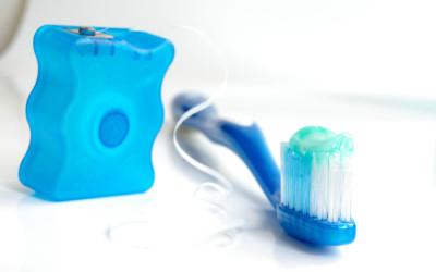 Cepillos interdentales vs seda dental
