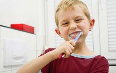 Trucos y consejos para cepillar los dientes de nuestros pequeños