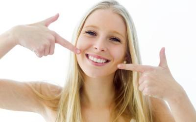 ¿Cuántos tipos de carillas dentales existen? ¿Cuáles son mejor para mi caso?