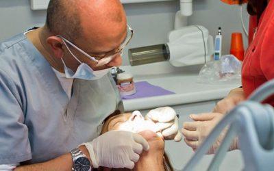 Precio implantes dentales en un día: técnica All on 4