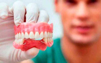 ¿Por qué usar prótesis dentales removibles?